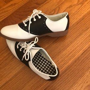 Saddle Shoes Classic Black & White